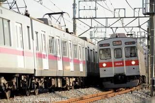 東武日光線を行く東急8500系