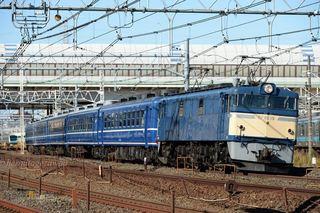 EF60-19と12系急行客車