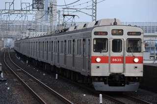 東武伊勢崎線を行く東急8500系